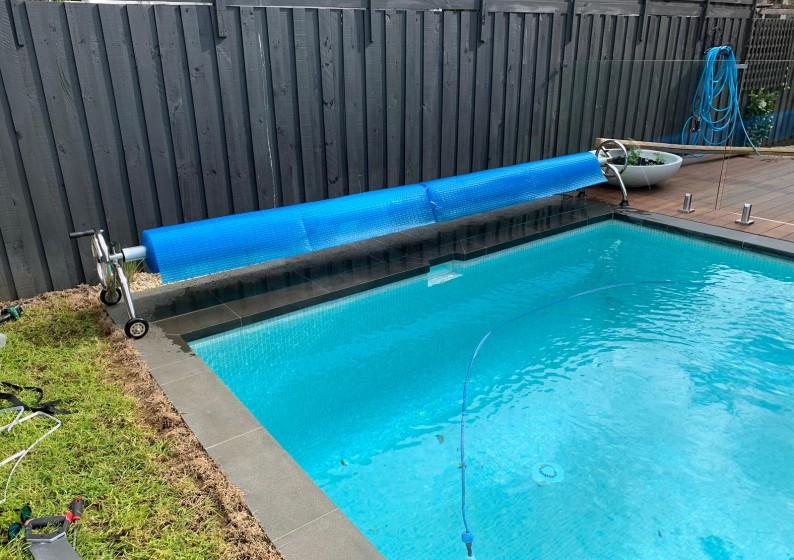 Pool-Blanket-Roller-1-794x560