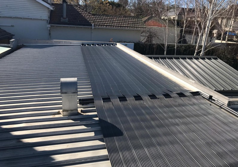 Strip-Solar-Heating-on-Metal-Roof-3-794x560