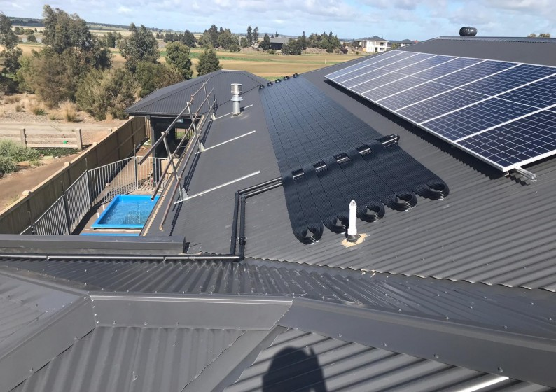 Strip-Solar-Heating-on-Metal-Roof-6-794x560